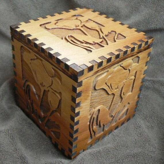 3 3/4 x 3 3/4 x 4 Poppies All Around  Cedar Cube Box
