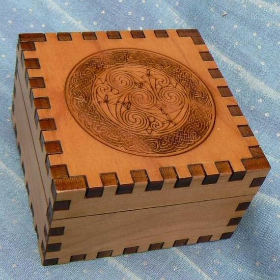 2.5 x 2.5 x 1.5 Celtic Spiral Circle Cedar Jeweler's Box