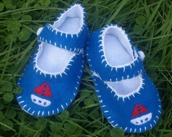 Boat  Baby Shoes / Boys Felt Booties / New Baby Gift / Nautical Shoes / Blue