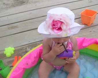 Girls Sun hat with big rose and chin strap