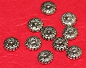 25 pcs of antiqued silver pewter flower spacer beads 8mm
