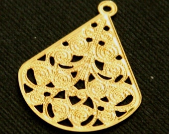 10 pcs of Gold plated Brass  filigree teardrop finding 30x23mm