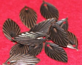 Bulk 500 pcs of Antiqued copper plated leaf drops 19X9mm