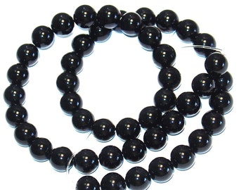 16 in strand of Black Onyx round A grade - 8mm