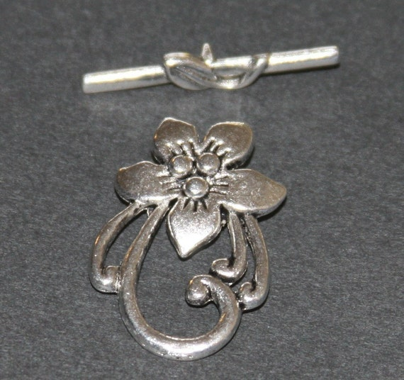 10 sets of Antiqued Silver plated flower toggle clasps 30X21mm