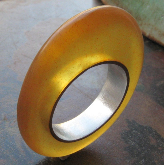 SAMPLE SALE Yellow Resin Avatar Ring Size 6