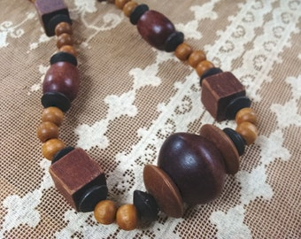 Vintage Chunky Wooden Necklace
