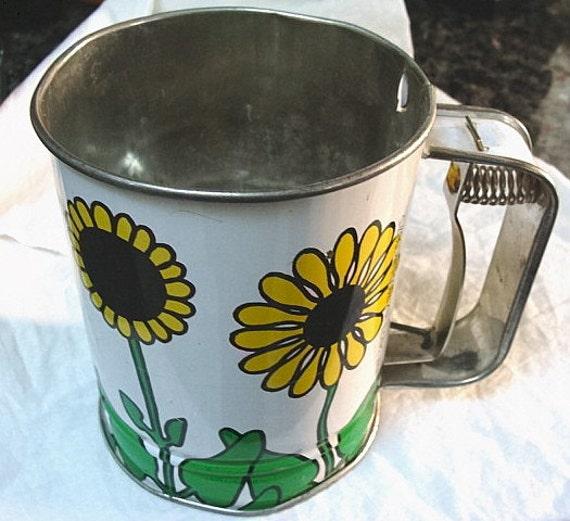 Vintage Flower Power Kande Sifter