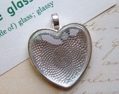 Five Pendant Trays - 25 mm Heart - Sterling Silver Plated