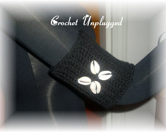 Crocheted armband cuff