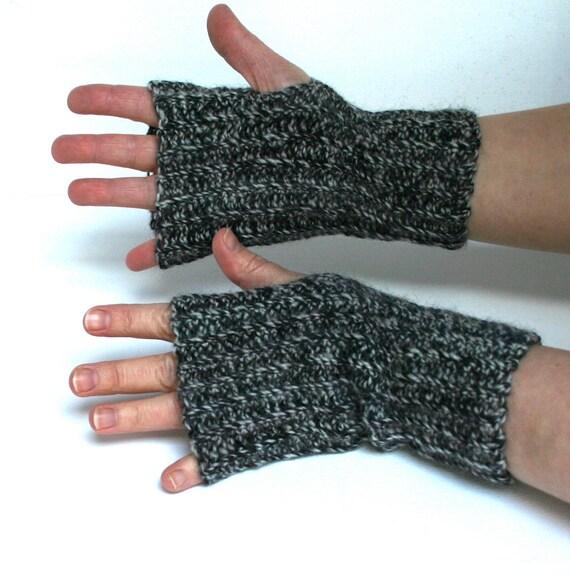 Fingerless Gloves Wristwarmers Black and White Rib