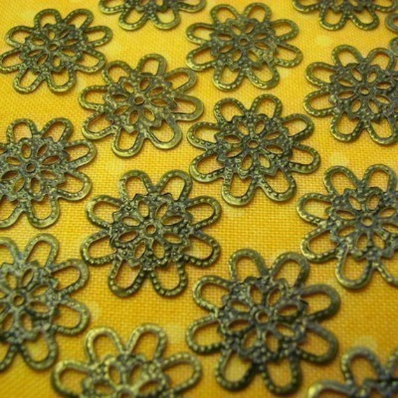 Antique Brass Pretty Filigree Pieces...50 on Etsy...(FL-SM-10268-AB), metal stampings, findings, flexible, bronze