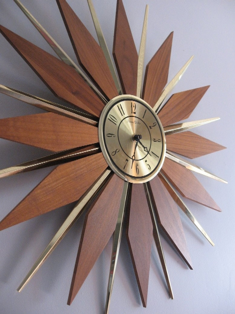 Large 1960s Sunburst Wall Clock By Phinney By Rabbitohrabbit