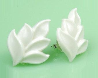 Vintage White Lucite Leaf Post Earrings