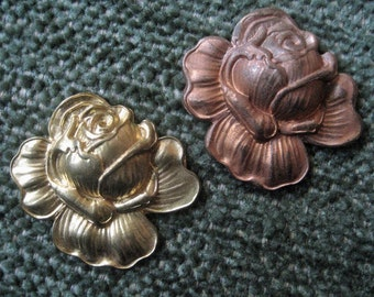 Set of two vintage Brass Rose Flower Charm. Perfect for gold plating. Large quantities available.