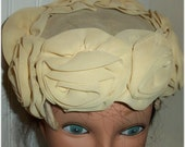Sale -Lovely and Classic  Vintage 1940's Rolled SILK ROSES HAT - Elegant Cream Roses on a Lace Base with Label - Maybe Bridal Veil Headpiece
