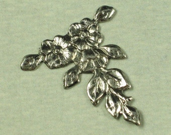 6 Antique Silver Vintage Style Flower Metal Stamping Finding 561