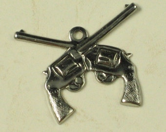 12 Antique Silver Brass Dueling Guns Pistol Charms Finding 737