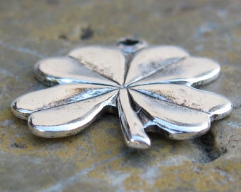12 Antique Silver Brass 4 Leaf Clover Charm Finding 779