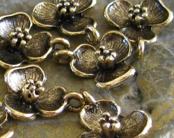 6 Antique Gold flower charms Jewelry Findings 1243