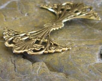 6 Antique Gold Brass Filigree Metal Stamp Finding 312