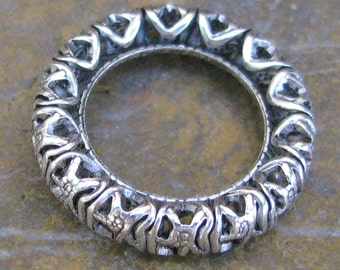 Filigree Ring Link Connector in Antique Silver 17mm Jewelry finding 576
