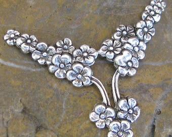 6 Antique Silver Y Flower Floral Metal Stamping 744