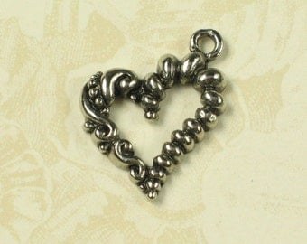 Heart Charms Pendents Jewelry Findings Antique silver 373 - 6 pcs
