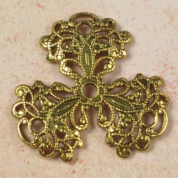 4 Antique Gold Jewelry Findings Pendent Filigree 291