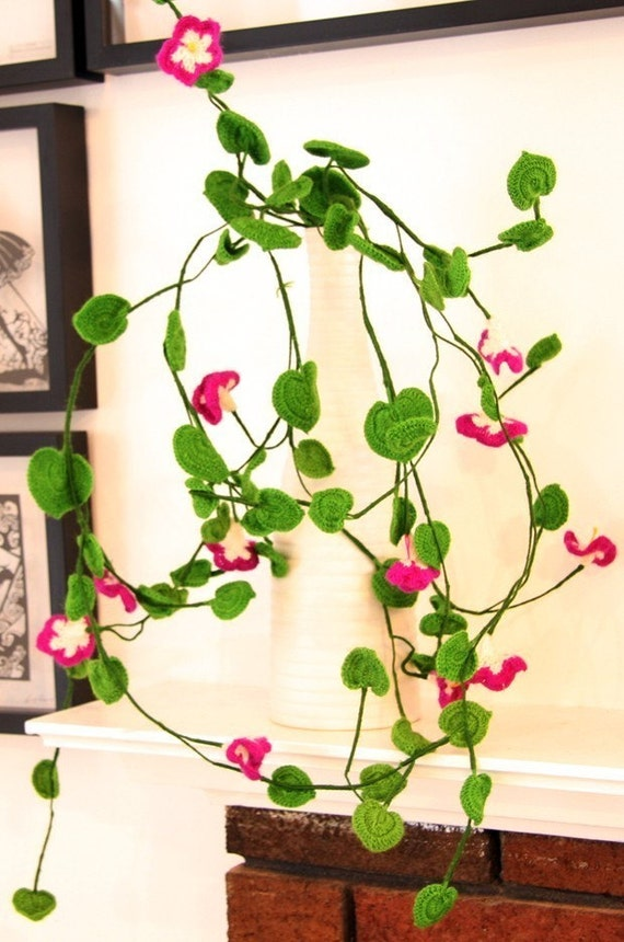 Crochet flowers - Home Deco - Table Set - Bouquet - Chlorophytum Comosum with Morning Glory