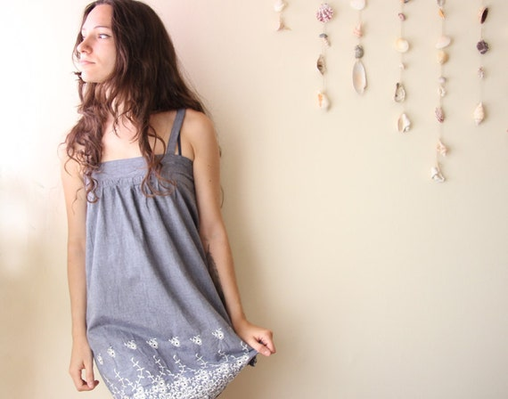 gray cotton and lace jumper with floral embroidery