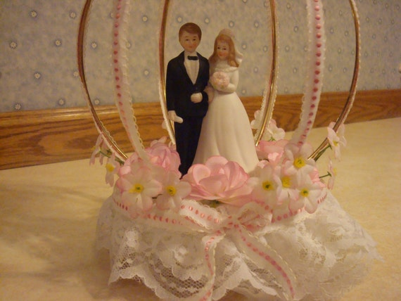 vintage wedding cake toppers bride and groom vintage and groom wedding cake topper with pink roses 8307