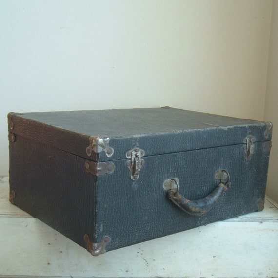 antique salesman sample or doctor case