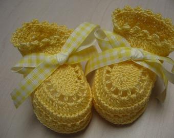 Crochet Baby Booties. Sweet Yellow. 0-3 Months Newborn Girl or Reborn Doll