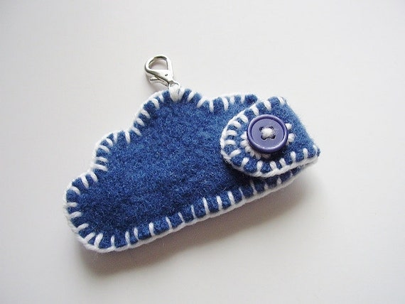 Felted lip balm cozy (or USB) made of upcycled wool sweater Blue cloud, white seaming