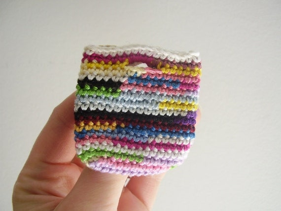 Mini tote brooch, OOAK, crocheted, colorful, spring fashion, cotton