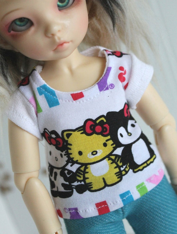 YOSD/soom sized White Hello Kitty animals shirt