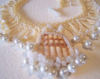 Creamy Mermaid Shard Necklace