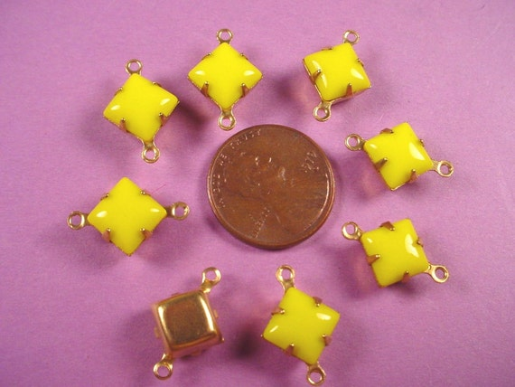 Vintage Yellow Green Square Glass Connectors 8mm