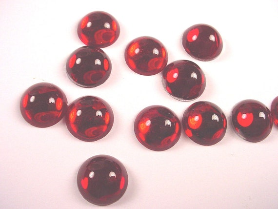 10 vintage glass ruby red round cabochons 10mm