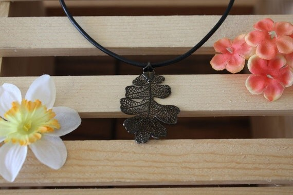 Real Lacey Oak Leaf Gunmetal Pendant Necklace