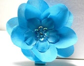 The Diamond Collection Small Sequin Flower Hair Clip in Turquoise