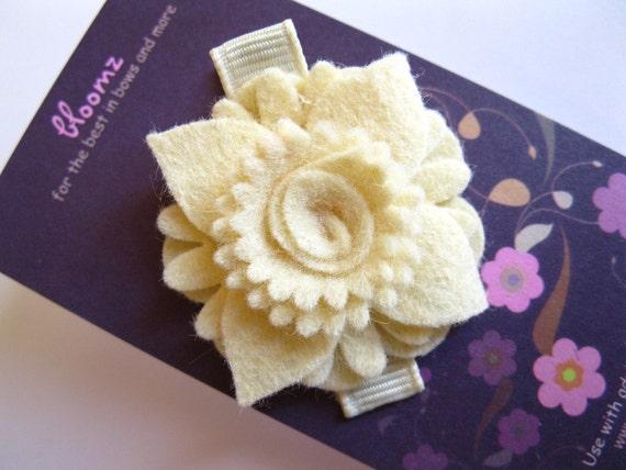 Single Swirl Wool Blend Felt Flower Hair Clip In Cream