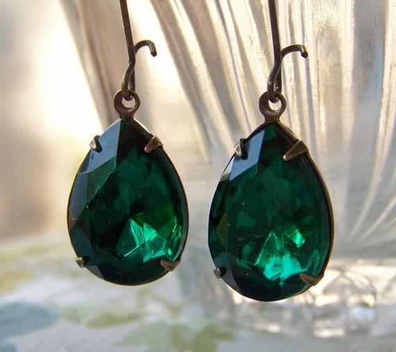 Emerald Green Vintage Glass Jewel Earrings