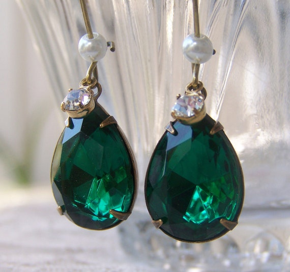 Emerald Pearl Earrings, prom, wedding jewelry, bridesmaid gift, day evening wear