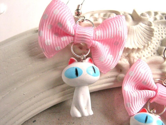 White Kitty and Bow Earrings