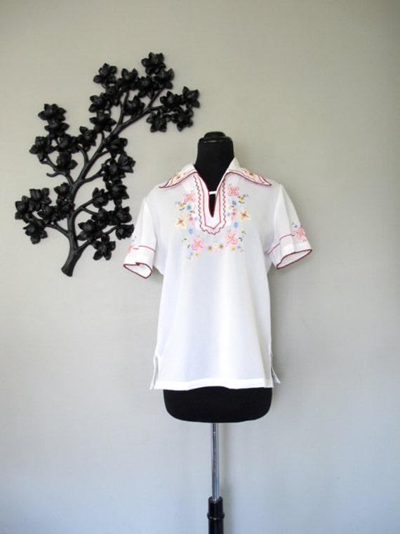 FLORAL BOUQUET vintage embroidered blouse - size M