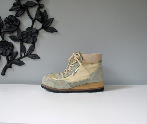 ROCKY BOOTS  vintage 80's hiking boots - size 8.5 womens