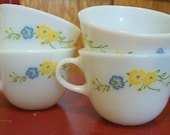 PRICE REDUCTION... Set of 4 vintage Pyrex tea cups