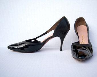 Vintage 1950s stiletto heels / black patent leather spiked heels / Palizzio / size 8